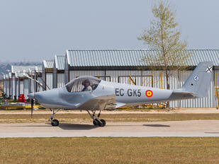 EC-GK5 - Private Skyleader Skyleader 200