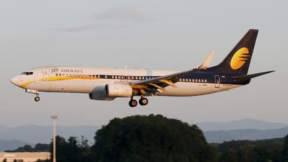 2-TJFQ - Jet Airways Boeing 737-800