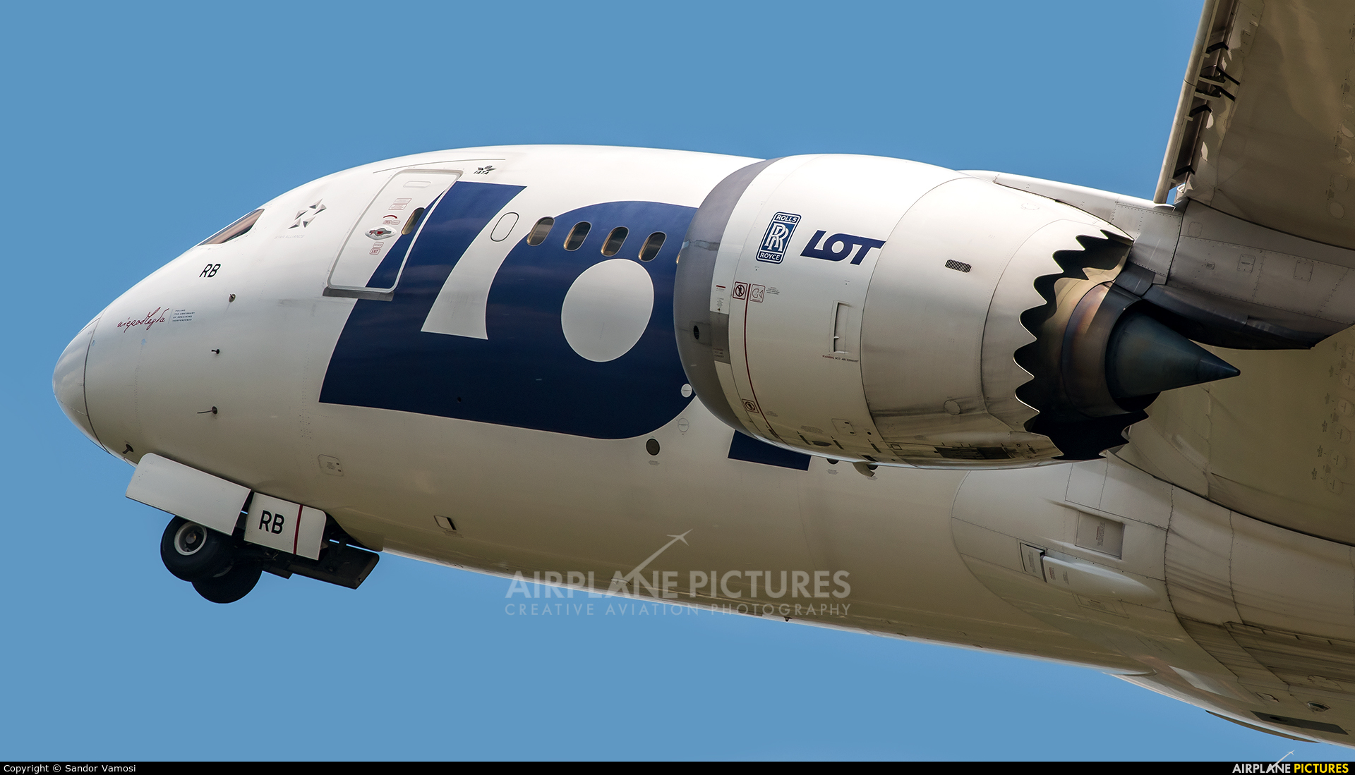 LOT - Polish Airlines SP-LRB aircraft at Budapest Ferenc Liszt International Airport
