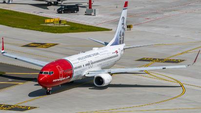 LN-DYU - Norwegian Air Shuttle Boeing 737-800