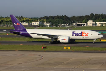 N868FD - FedEx Federal Express Boeing 777F