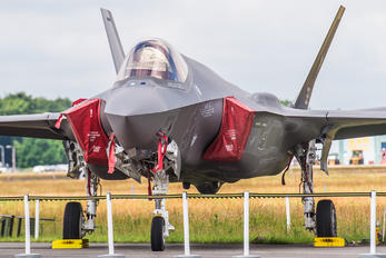 32-13 - Italy - Air Force Lockheed Martin F-35A Lightning II