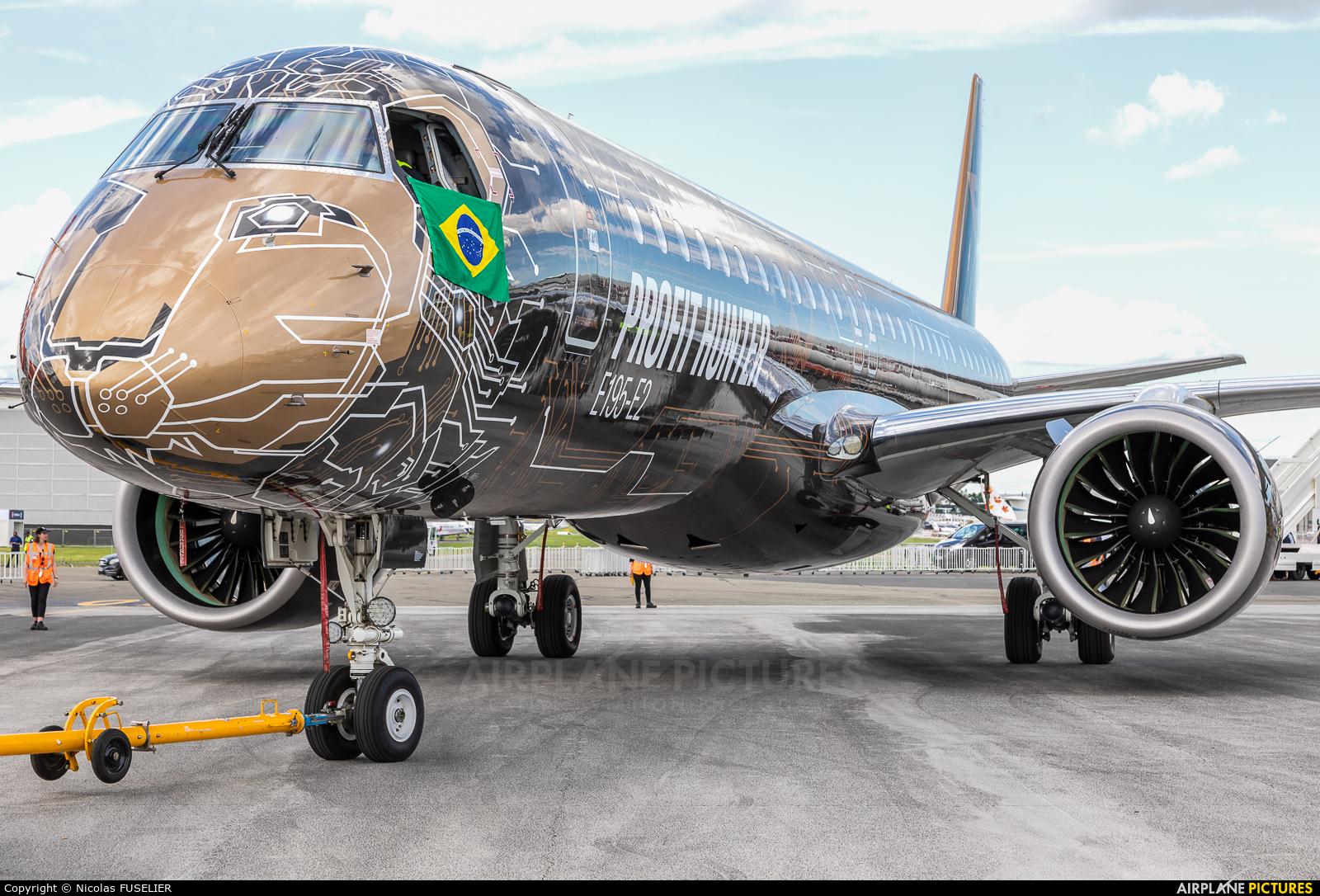 Embraer PR-ZIQ aircraft at Paris - Le Bourget