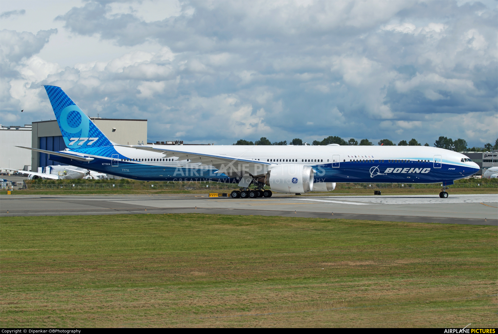 Boeing Company N779XW aircraft at Everett - Snohomish County / Paine Field