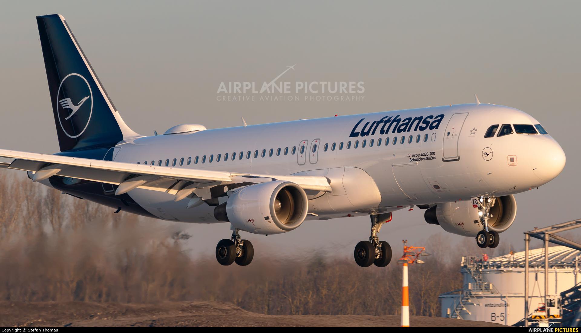Lufthansa D-AIZD aircraft at Munich