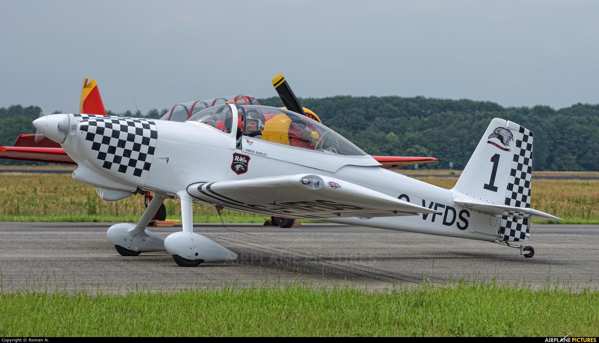 Team Raven G-VFDS aircraft at Uden - Volkel