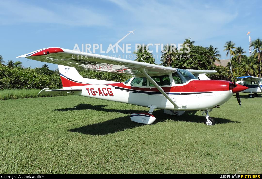Private TG-ACG aircraft at Iztapa