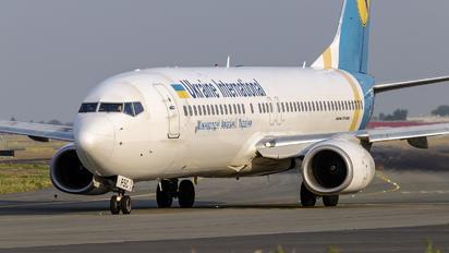 UR-PSC - Ukraine International Airlines Boeing 737-800