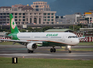 B-16201 - Eva Air Airbus A321