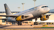 EC-LVS - Vueling Airlines Airbus A320 aircraft