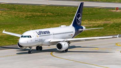 D-AILB - Lufthansa Airbus A319