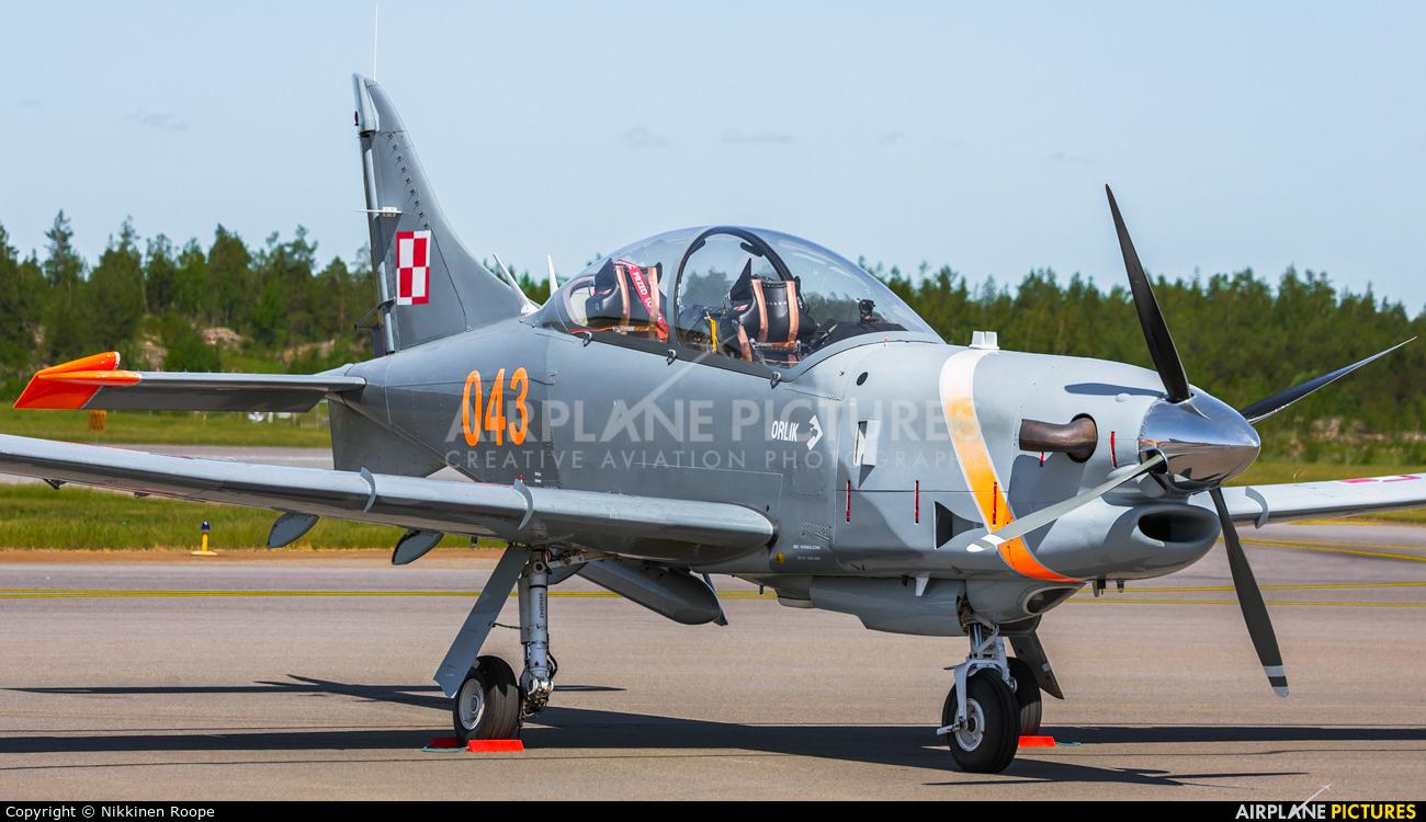 """Poland - Air Force """"Orlik Acrobatic Group"""" 043 aircraft at Turku"""
