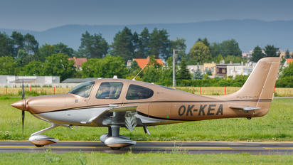 OK-KEA - Private Cirrus SR22