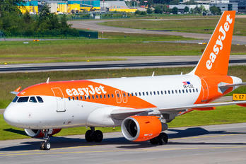 OE-LSZ - easyJet Europe Airbus A319