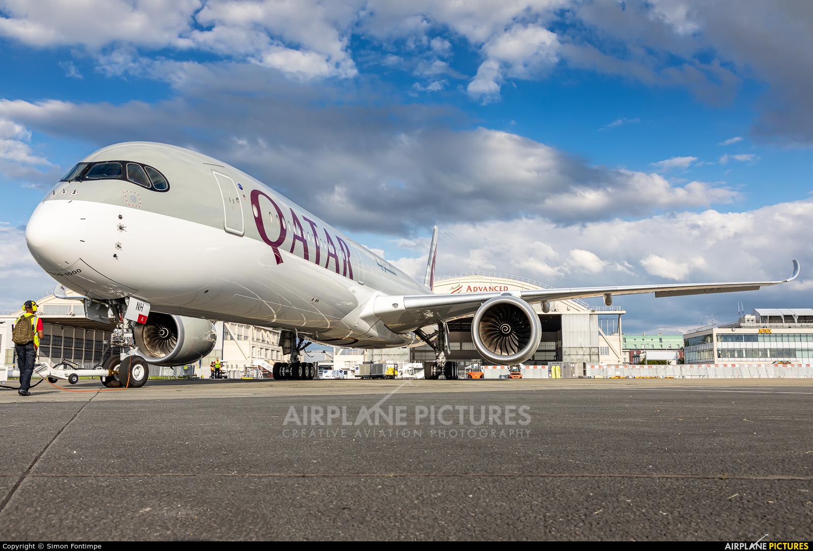 Qatar Airways A7-ANH aircraft at Paris - Le Bourget
