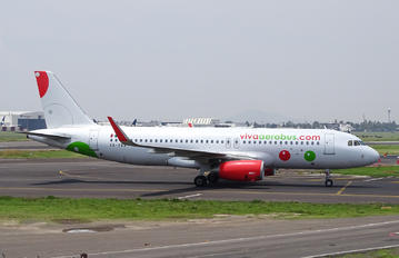 XA-VAA - VivaAerobus Airbus A320