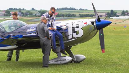 SP-YOO - - Aviation Glamour - Aviation Glamour - People, Pilot