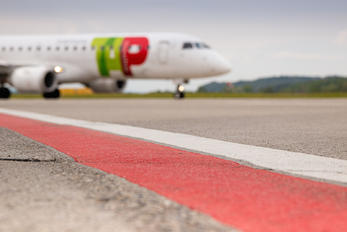 CS-TPR - - Airport Overview - Airport Overview - Runway, Taxiway