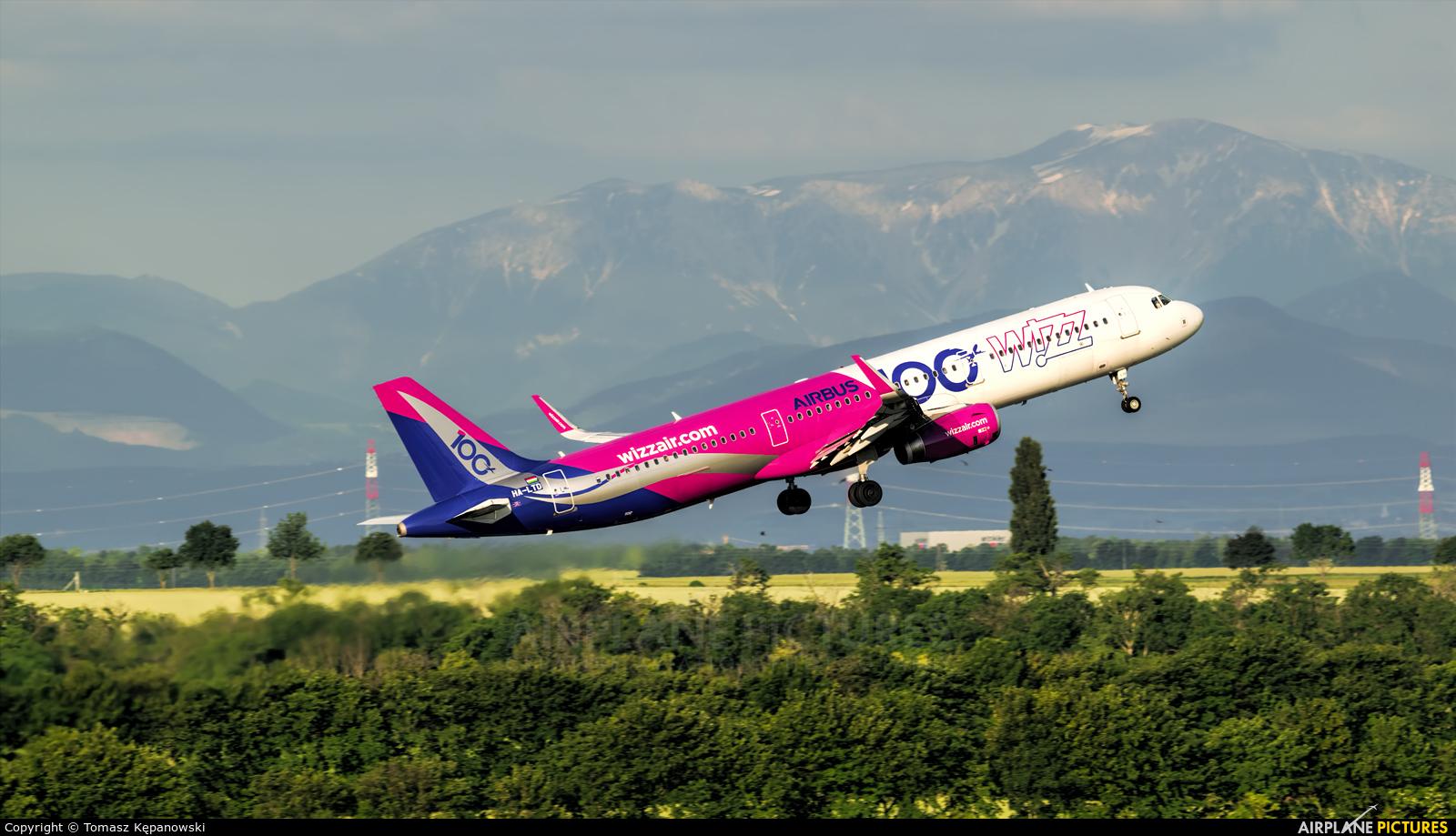 Wizz Air HA-LTD aircraft at Vienna - Schwechat