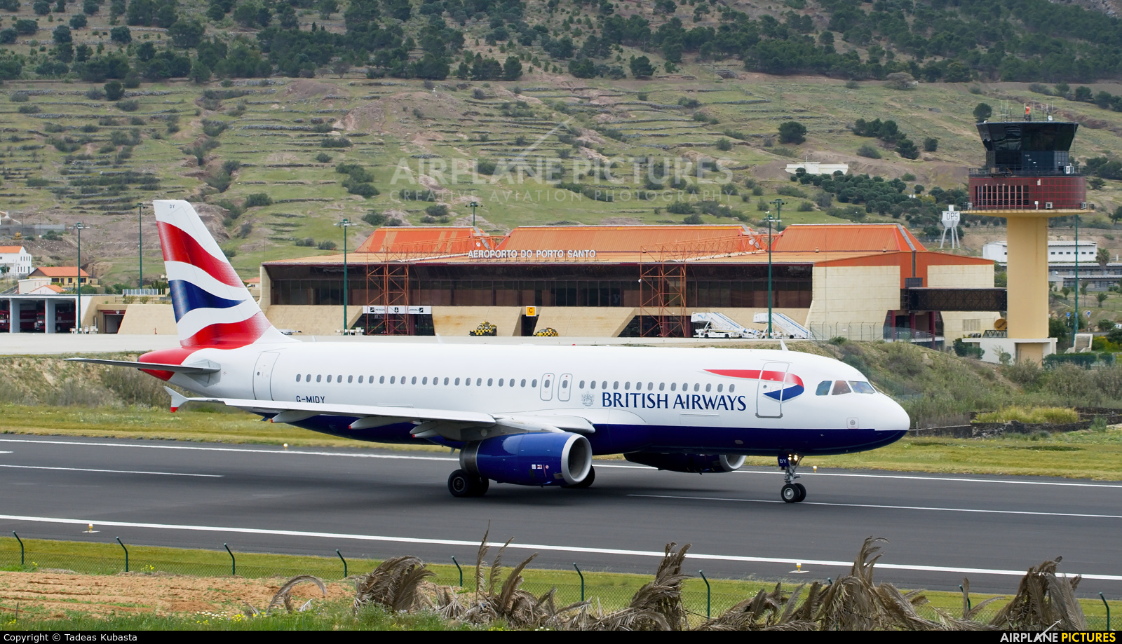 British Airways G-MIDY aircraft at Porto Santo