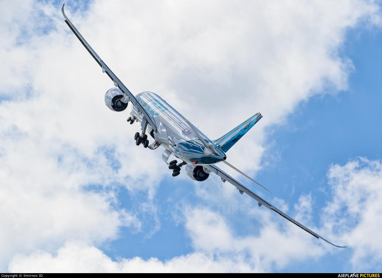 Airbus F-WTTN aircraft at Paris - Le Bourget