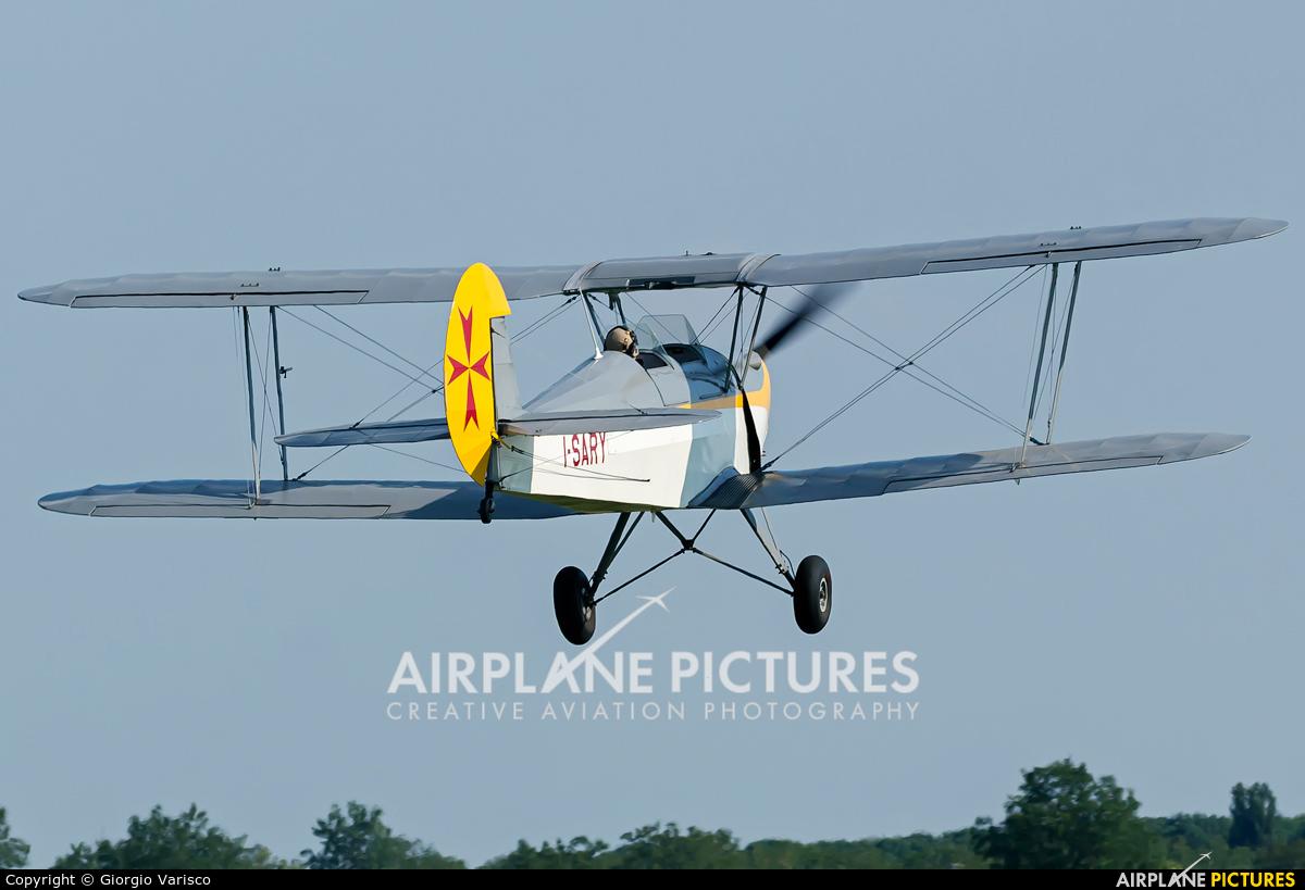 Private I-SARY aircraft at