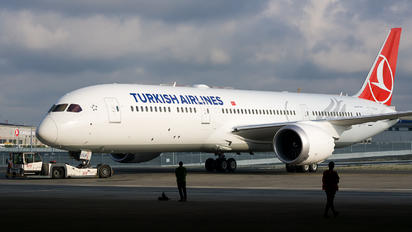 TC-LLA - Turkish Airlines Boeing 787-9 Dreamliner