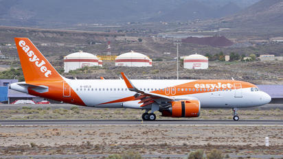 G-UZLD - easyJet Airbus A320