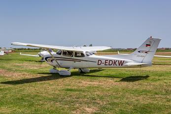 D-EDKW - Private Cessna 172 Skyhawk (all models except RG)