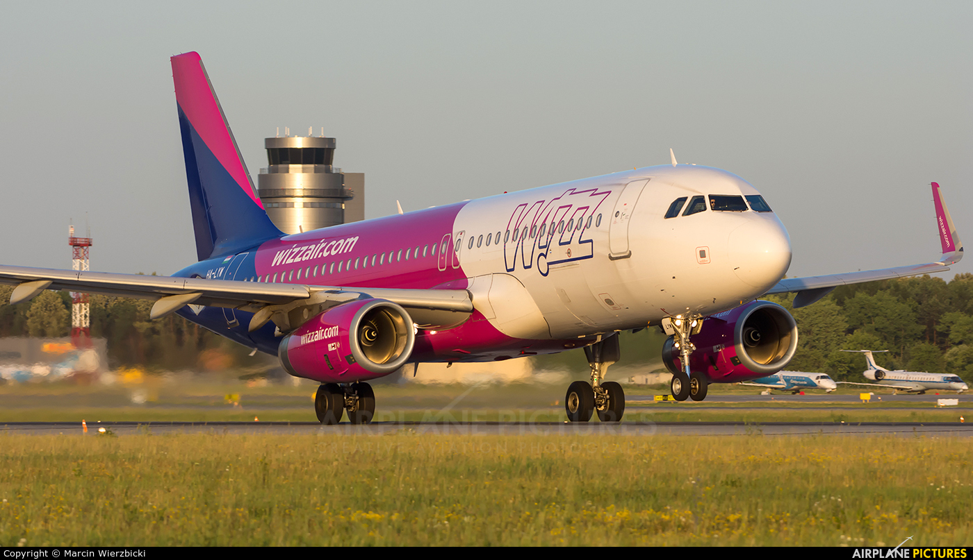 Wizz Air HA-LYW aircraft at Katowice - Pyrzowice