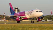 Wizz Air HA-LYW image