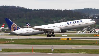 N69059 - United Airlines Boeing 767-400ER