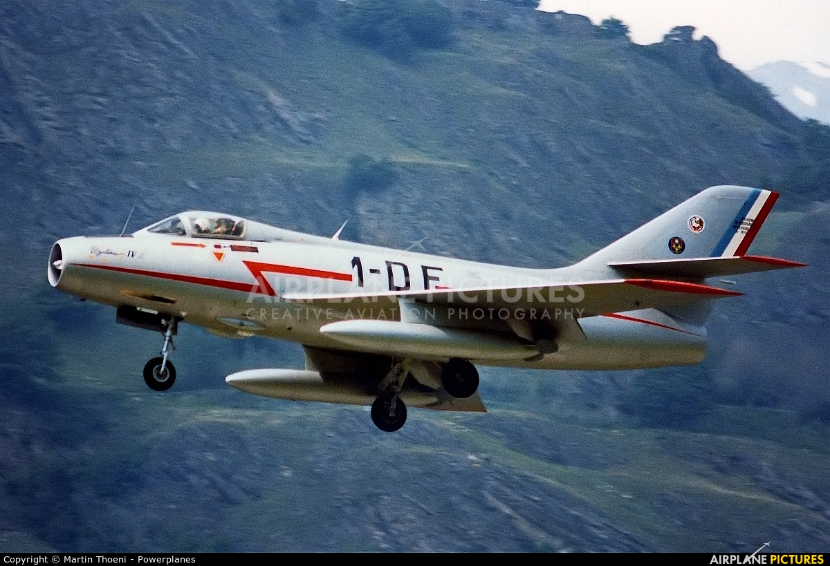 Private F-AZDF aircraft at Sion