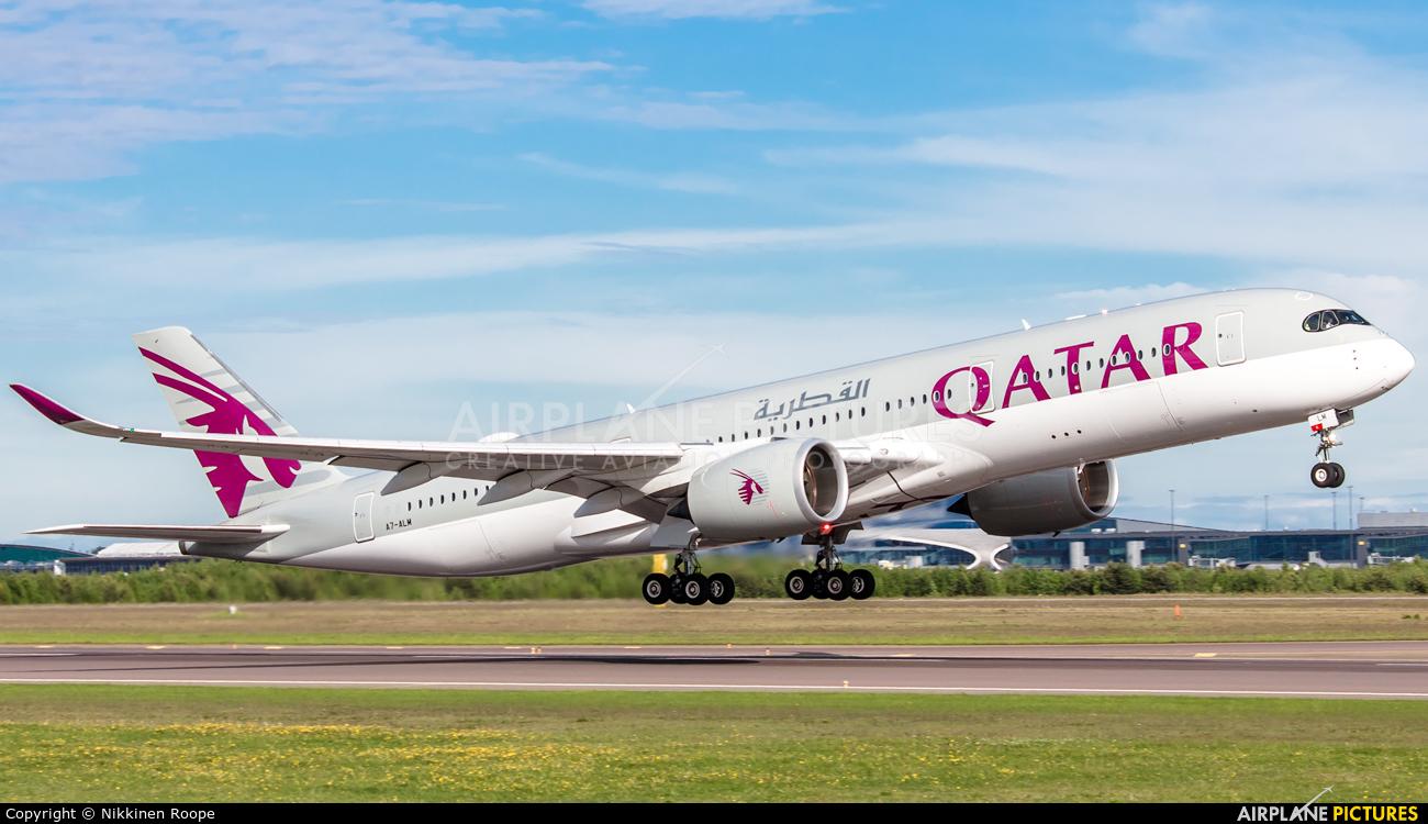 Qatar Airways A7-ALM aircraft at Helsinki - Vantaa