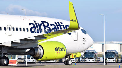 YL-BBX - Air Baltic Boeing 737-300