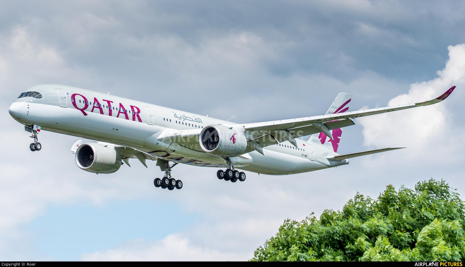Qatar Airways A7-ANZ aircraft at London - Heathrow