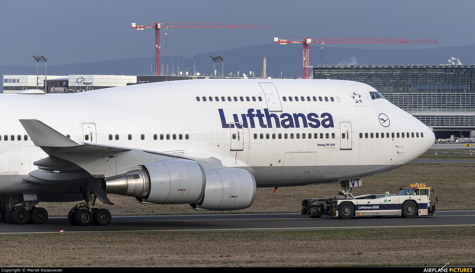 Lufthansa D-ABVT aircraft at Frankfurt