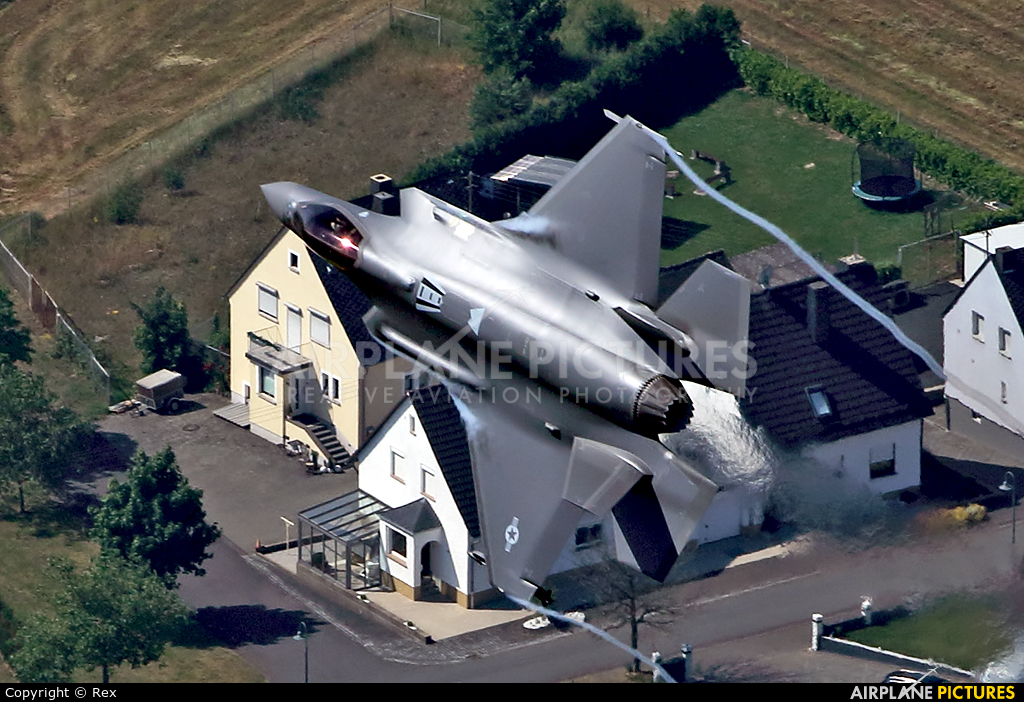 USA - Air Force 15-5202 aircraft at Spangdahlem