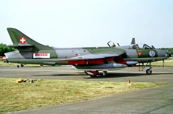 J-4021 - Switzerland - Air Force Hawker Hunter F.58