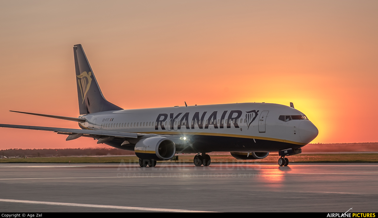 Ryanair EI-FIT aircraft at Katowice - Pyrzowice
