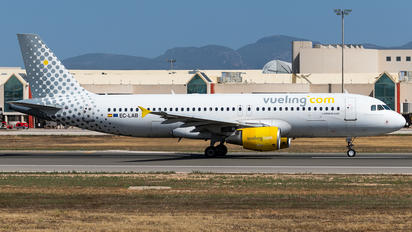 EC-LAB - Vueling Airlines Airbus A320
