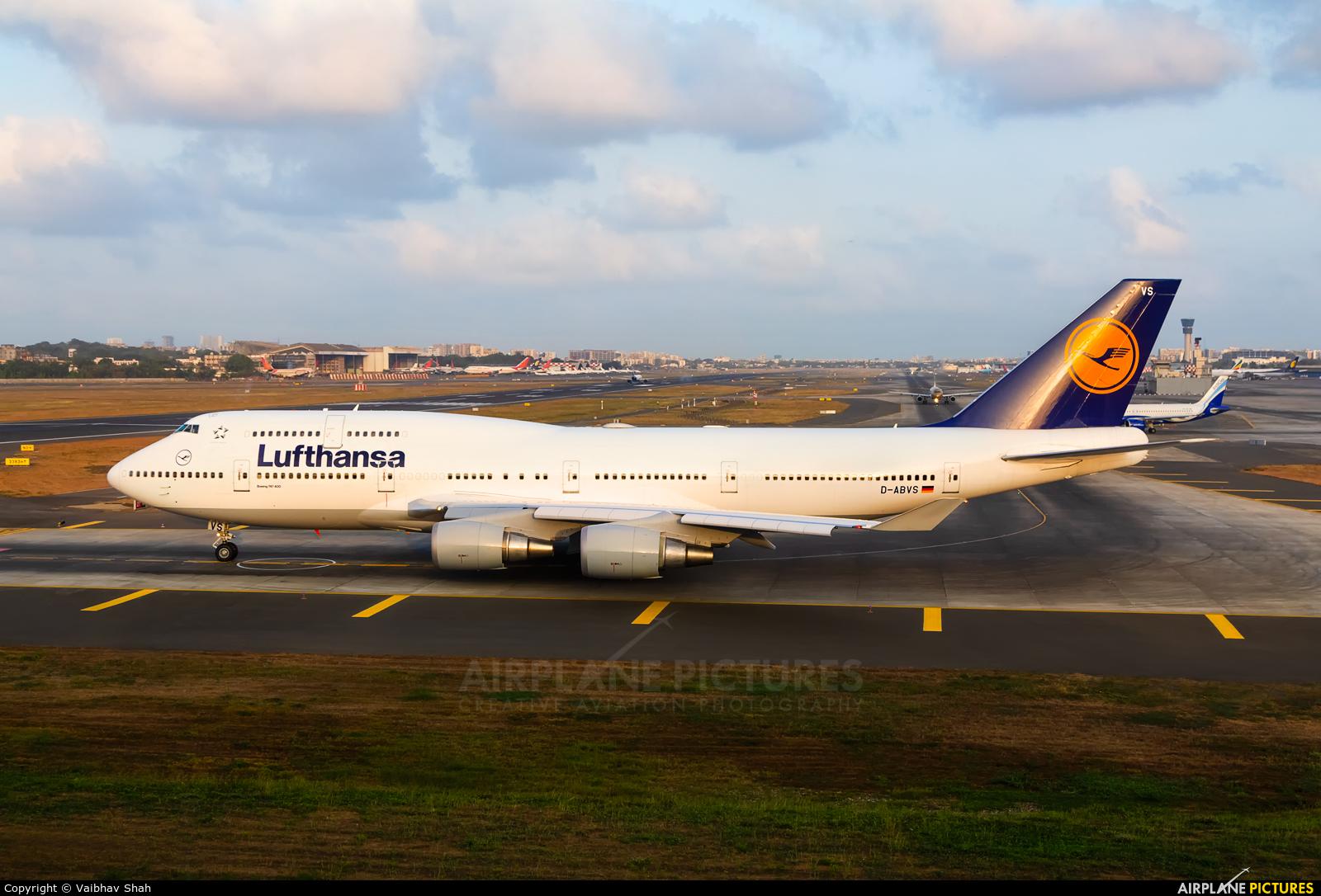Lufthansa D-ABVS aircraft at Mumbai - Chhatrapati Shivaji Intl