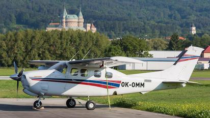 OK-OMM - Private Cessna 210 Centurion