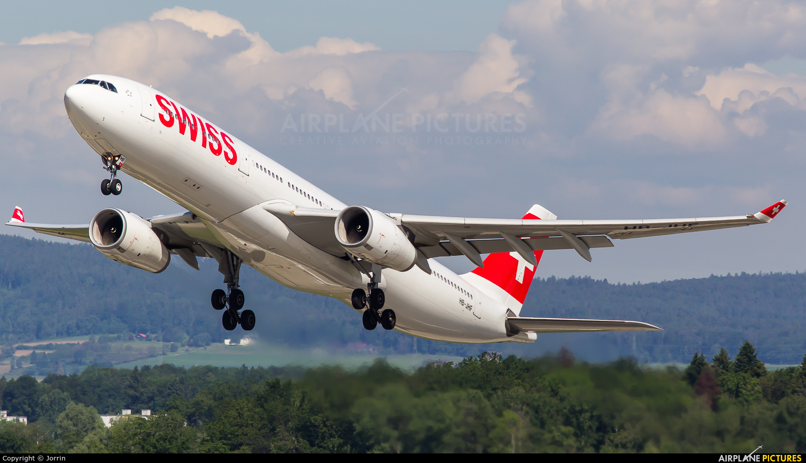 Swiss HB-JHF aircraft at Zurich