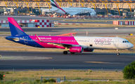HA-LXB - Wizz Air Airbus A321 aircraft