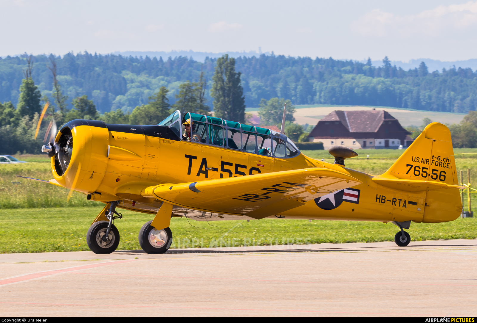 Private HB-RTA aircraft at Grenchen