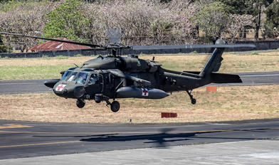00-26858 - USA - Army Sikorsky H-60L Black hawk