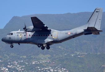 200 - France - Air Force Casa CN-235