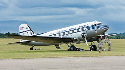 NC33611 - Pan Am Douglas DC-3