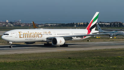 A6-EPE - Emirates Airlines Boeing 777-300ER